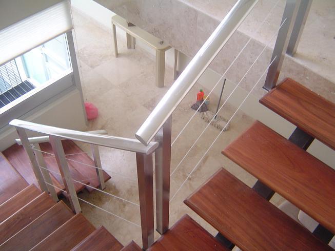Barandales y domos vidrios y aluminios de cancun for Barandales de aluminio blanco